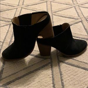 Steve Madden 7.5 Black Seude Boots